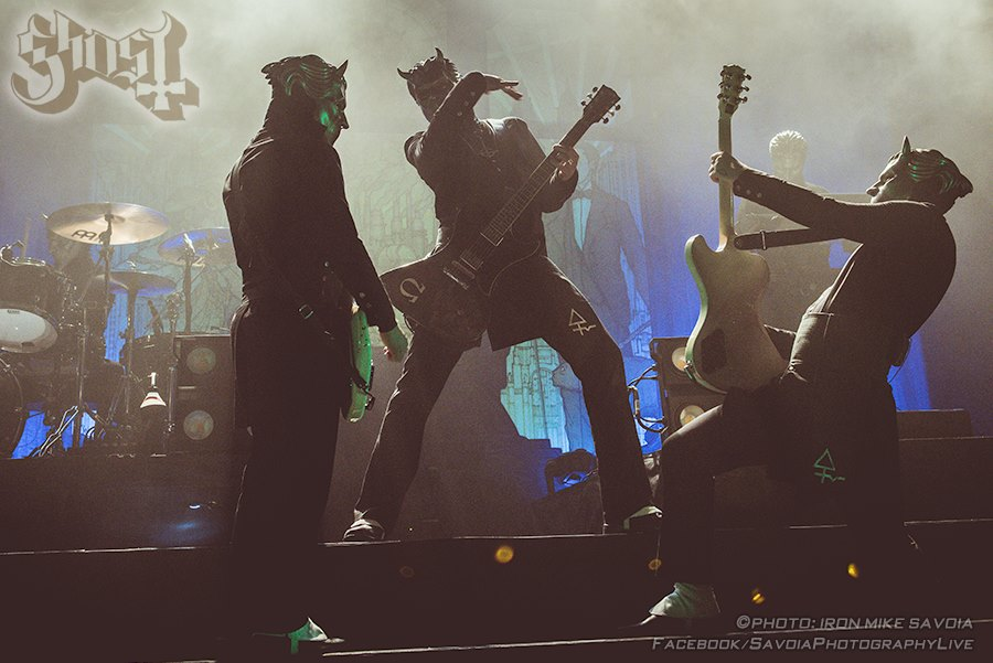 "Live Ghost Pics Taken By ""Iron"" Mike Savoia – Black To The Future"