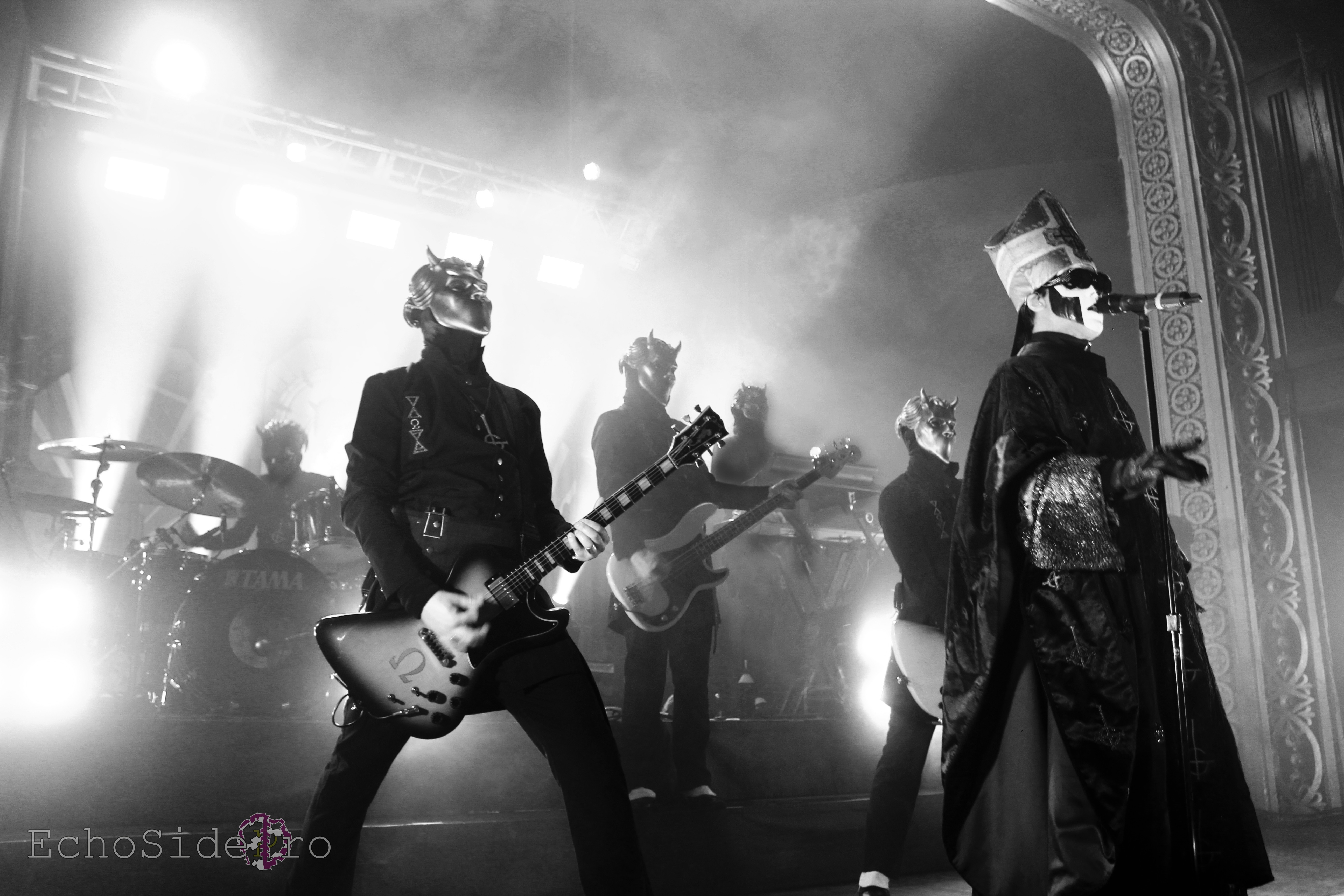 Live Ghost Pics Taken By Josh Long – Black To The Future