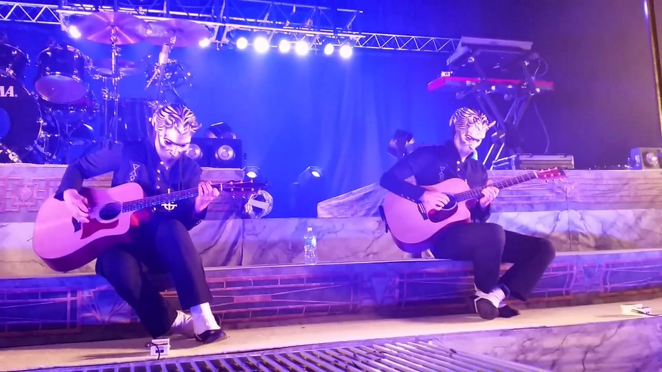Ghost Performs 'Jigolo Har Megiddo' Acoustic At Meet And Greet