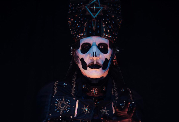 Papa Emeritus IV Makes His Debut